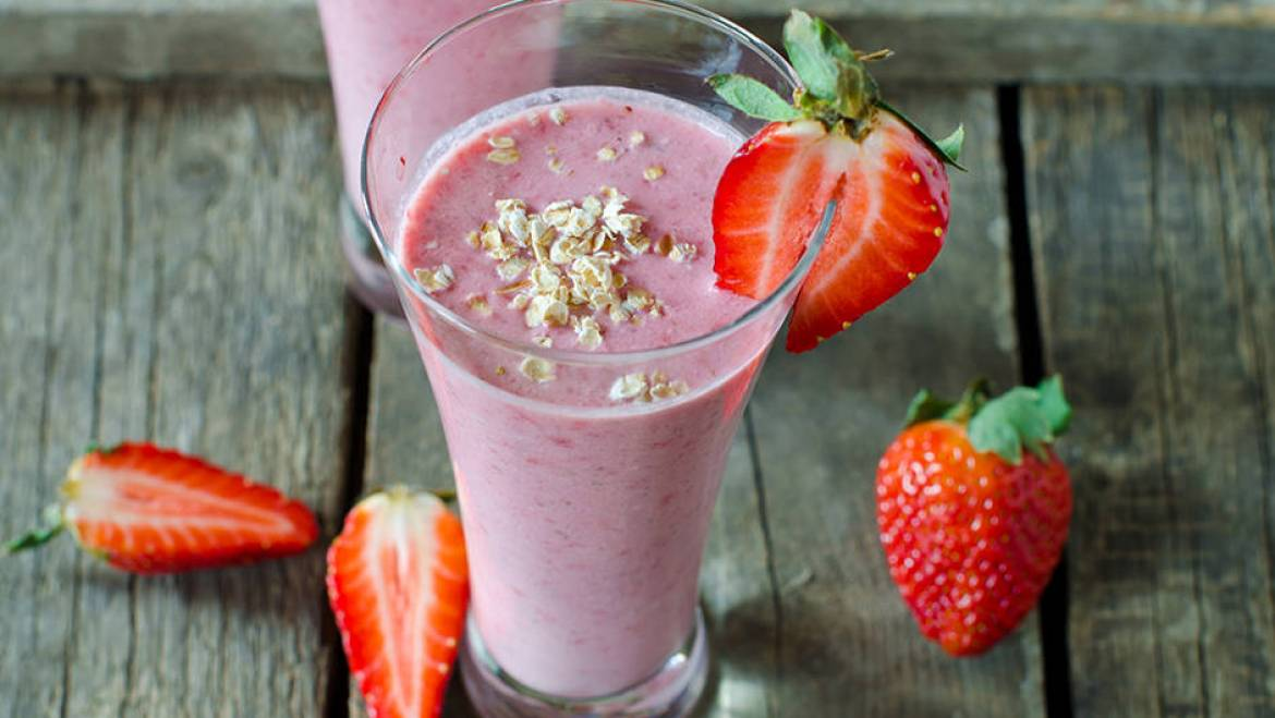 Easy Strawberry Lassi
